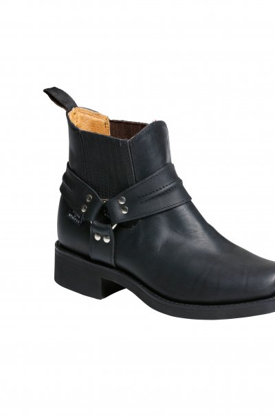 WB 33 black Boots right