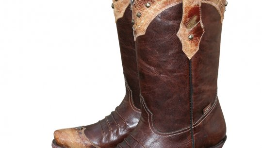 374dd092754 WBL-28. Western boots for the discerning cowgirl.